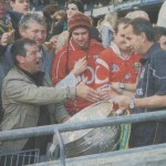 Club Chairman & Baile Uí Thaidhg native Maurice Higgins congratulates Kerry Manager Pat O'Shea after the 2007 All Ireland Final in Croke Park